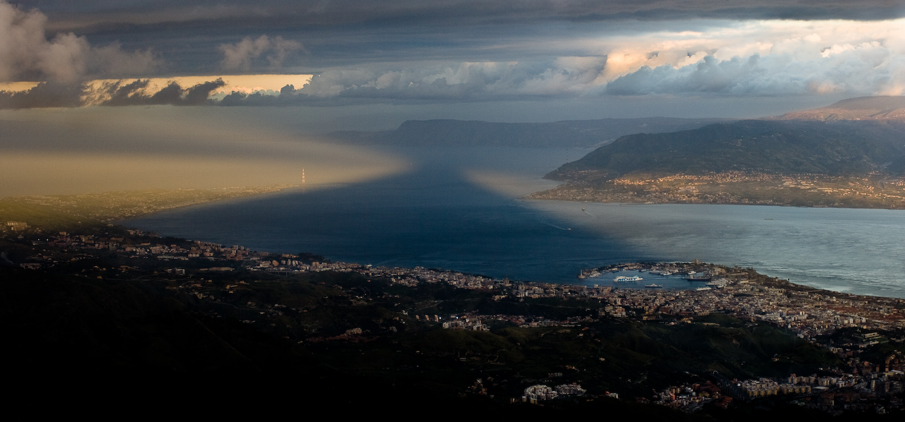 """Effetti speciali sullo Stretto di Messina by Lorca56 on Flickr (CC)"