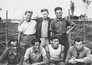 Volontari austriaci nel Campo di internamento di Gurs (Francia – 1939), fondo: DÖW, Dokumentationsarchiv des österreichischen Widerstandes/Spaniensammlung, Wien, Österreich.
