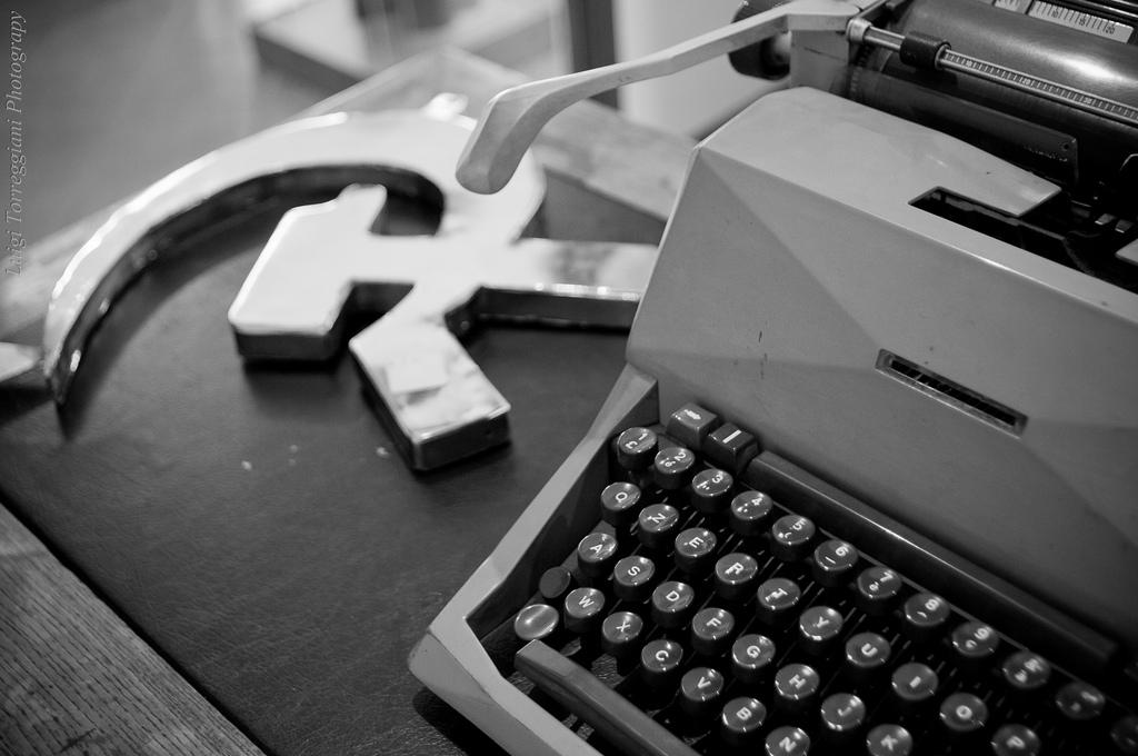 """""""la scrivania di Peppone"""", by torremountain on flickr (CC-BY-NC-SA)"""