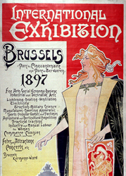 "Henri Privat-Livemont (1861-1936), ""Brussels, International Exhibition 1897"", 1896. Litografia su carta (J.-L. Goffart lith., Bruxelles), 274×127 cm. Lyon, Bibliothèque municipale (attraverso Wikimedia Commons [Public domain])"