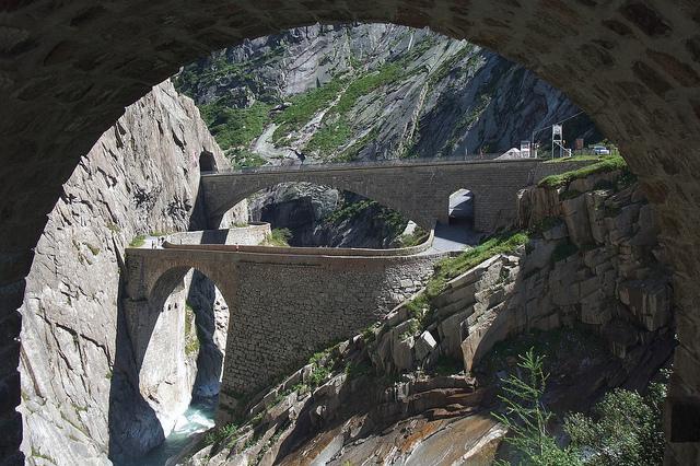 """Schöllenen - Teufelsbrücke"" by Kecko on Flickr (CC BY 2.0)"