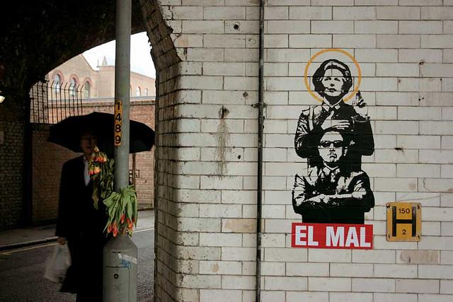 """""""El Mal (Pinochet y M. Thatcher)"""" by noaz. on Flickr (CC BY-NC 2.0)"""