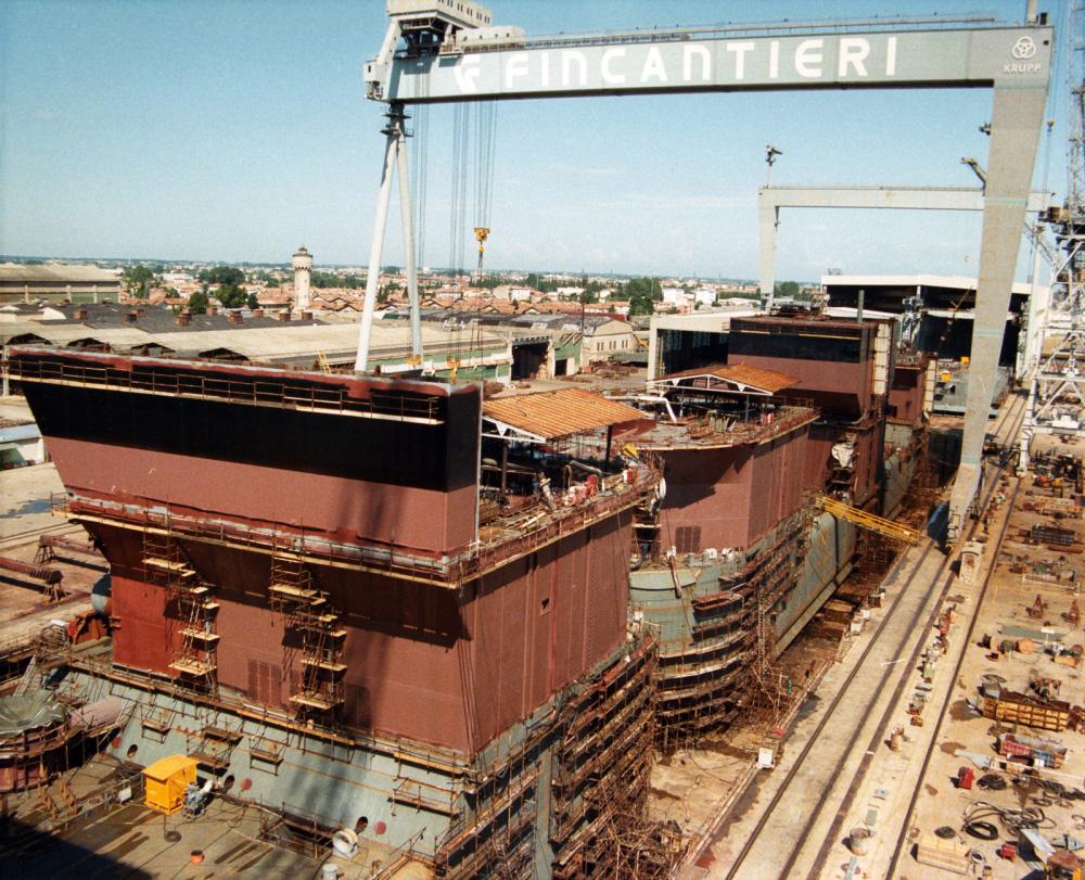 12 e monfalcone storia di un cantiere navale diacronie for Cantiere di costruzione