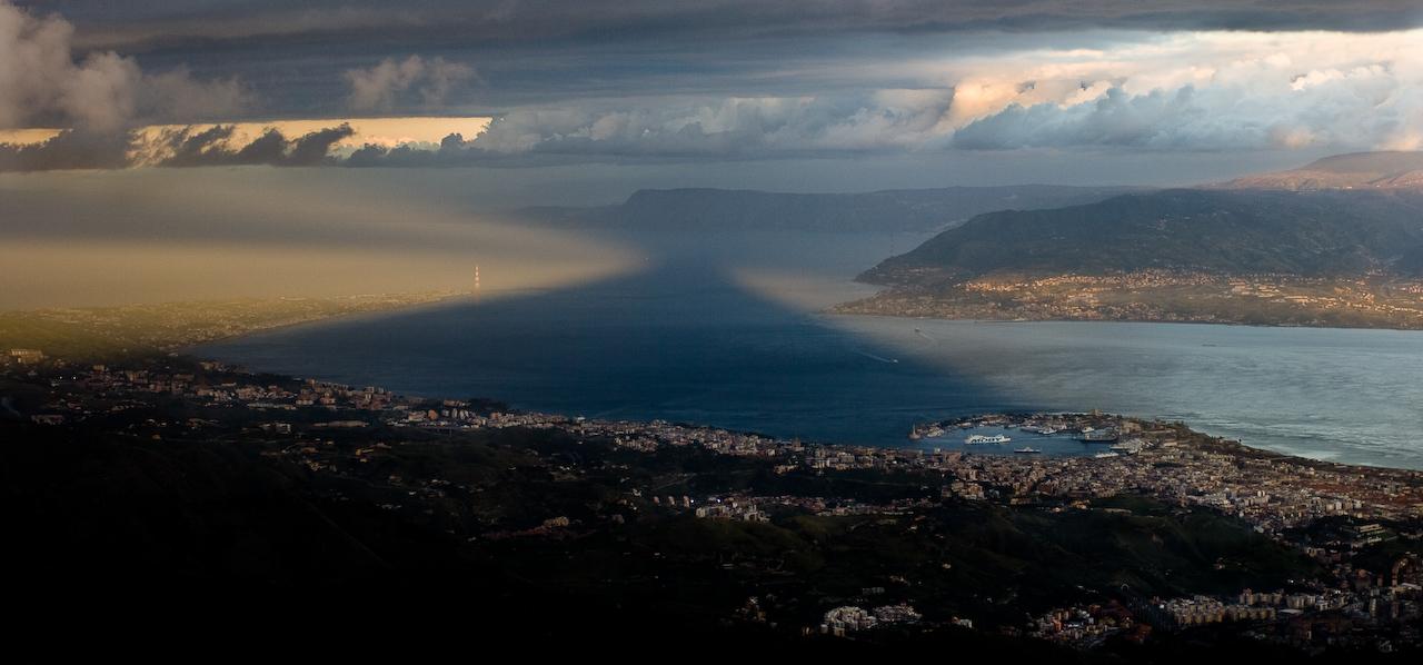 """""""Effetti speciali sullo Stretto di Messina by Lorca56 on Flickr (CC)"""