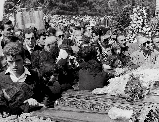 """Dozza ai funerali di Reggio Emilia"" by Il Fatto Quotidiano on Flickr (CC BY-NC-SA 2.0)"