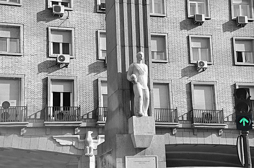 """""""Monumento plus a los heroicos aviadores del Plus-Ultra"""" by pegatina1 on Flickr (CC BY-NC-ND 2.0)"""
