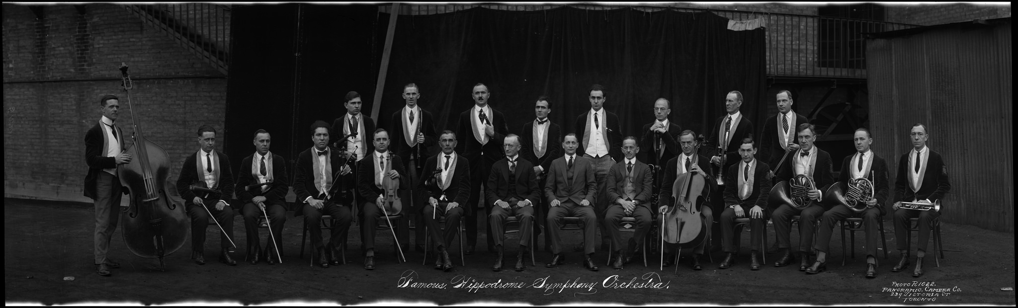 Famous Hippodrome Symphony Orchestra / Le célèbre Orchestre symphonique de l'hippodrome by BiblioArchives / LibraryArchives on Flickr (CC BY 2.0)
