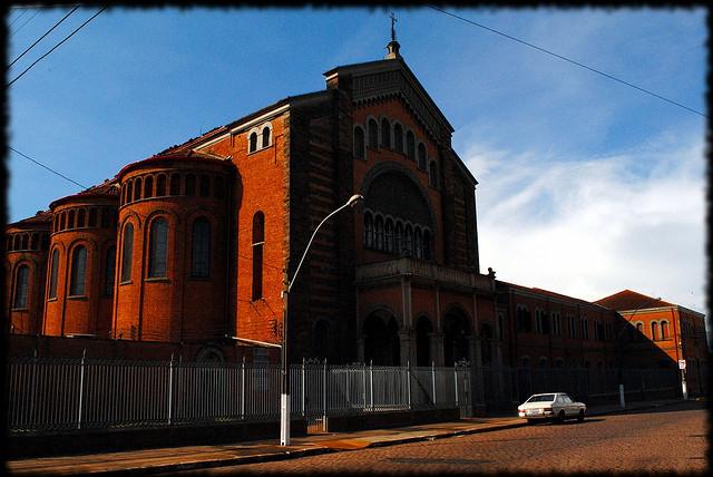 """""""Igreja Santo Antonio"""" by Danie Bojczuk on Flickr (CC BY-NC-ND 2.0)"""