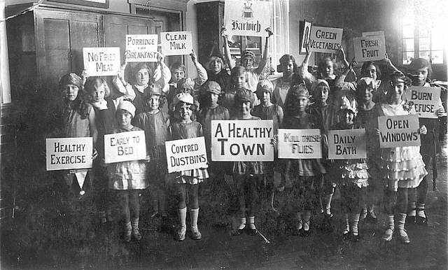 """Local School Children"" by Harwich & Dovercourt on Flickr (CC BY-SA 2.0)"
