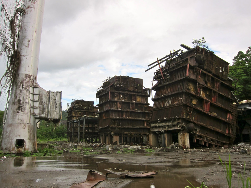 """Destroyed power plant, Arawa"" by madlemurs on Flickr (CC BY-NC-ND 2.0)"